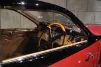 BUGATTITYPE 50T COACH PROFILÉE 1932 Klassiek en avant-gardistisch tegelijk. Let op de extreem lage hellinghoek van de voorruit; minder dan dertig graden.